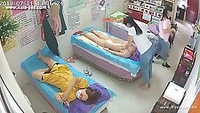 Hackers use the camera to remote monitoring of a lover\'s home life.357_2