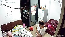Hackers use the camera to remote monitoring of a lover\'s home life.454