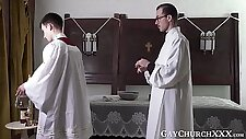 Religious guy seduced by daddy into forbidden raw pounding